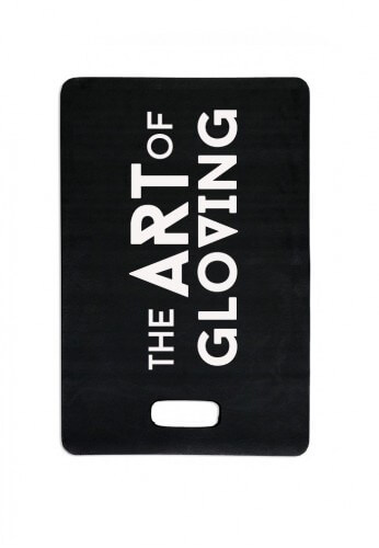 Black kneeling pad for gloving